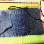 羊毛フェルトのブックカバーを、台所で製作(*^^*)