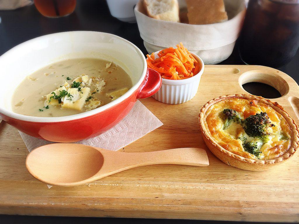 スープとキッシュのランチ