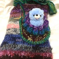 編み始めたレッグウォーマー