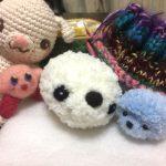 百均ショップセリアの糸から生まれたもの。アザラシに見えちゃう、編みぐるみ。