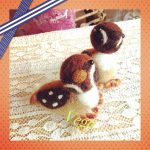 羊毛フェルトで初めて作ったスズメ。作品番号5です。