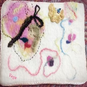 「生きゆく」羊毛刺繍