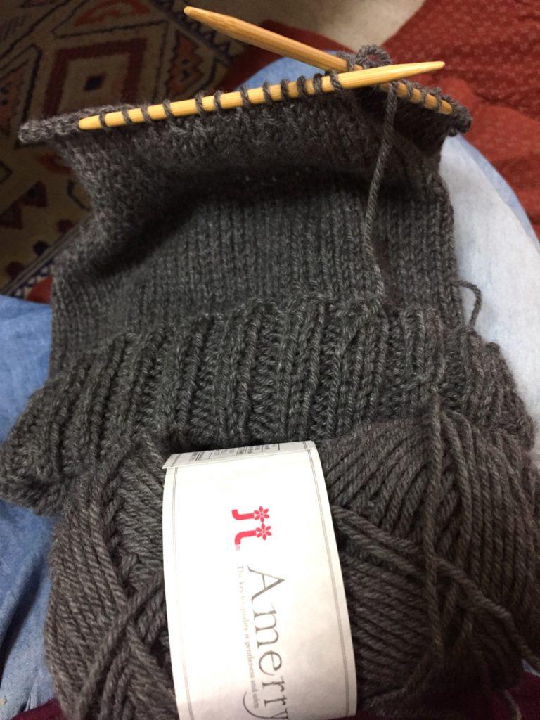 一本取りで編んだニット帽