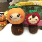 赤いほっぺのマスコットは、柿のマトリョーシカ。