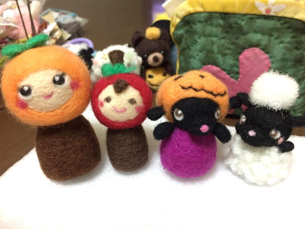 コスプレ準備の羊毛フェルトメンバー@秋の収穫祭