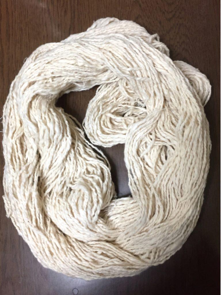 生成りコットン紡ぎのカセ糸
