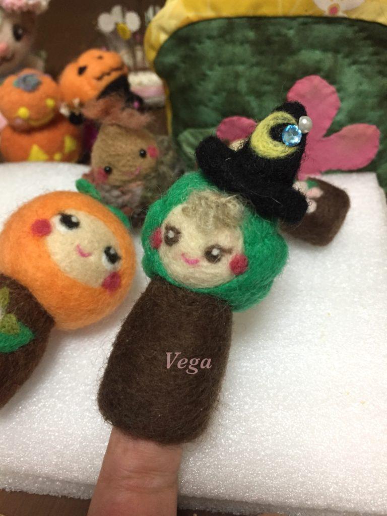 指人形になった、魔女帽子を被ったかぼちゃさん