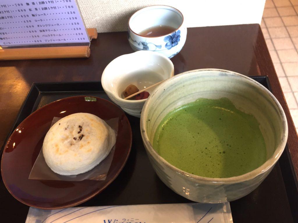 梅ヶ枝餅とお抹茶
