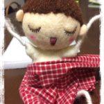 オーダーのお人形さんに、体の肉付けをしています。