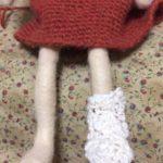 スラブ糸の面白さ。編んでは、ほどいて、調整して。