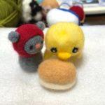 コッペパン、羊毛フェルトで作っています。福田パン・山本パンに触発されて。