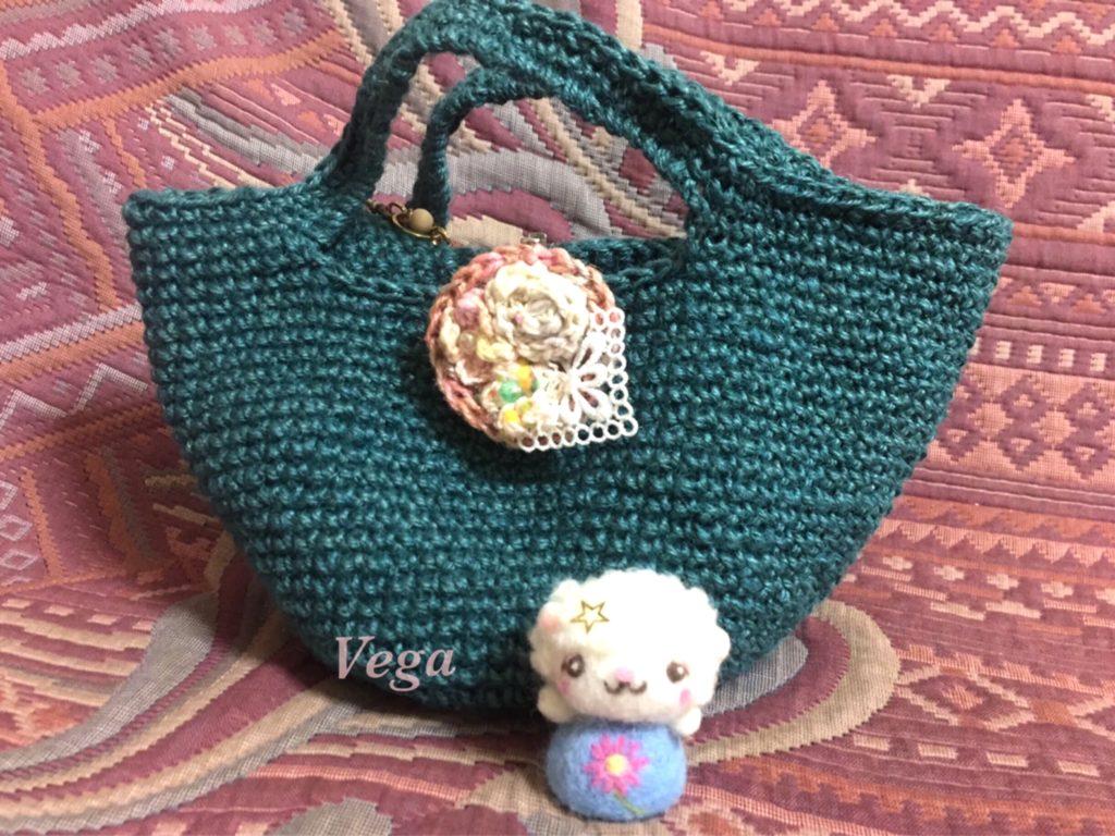 グリーンの小さめな麻バッグ