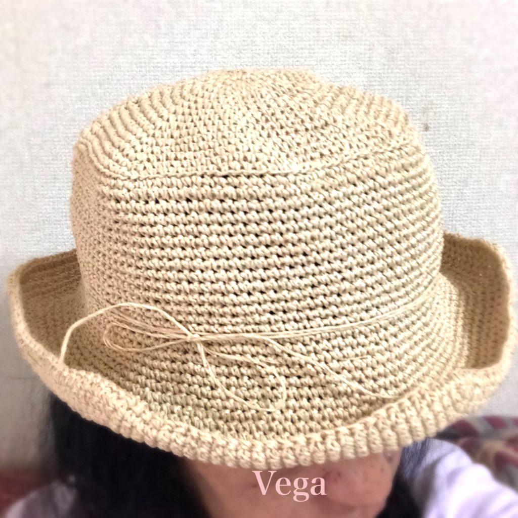 試しに被ってみた、笹和紙の夏帽子