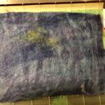 ミニアチュールzero展への準備。彩画堂さんでベニヤパネルを買って、羊毛フェルトシートを背景に。
