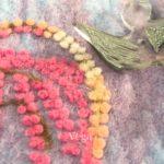 羊毛フェルトを使って、ミニアチュールの作品を製作しています。