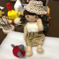 帽子を被った、お人形さん