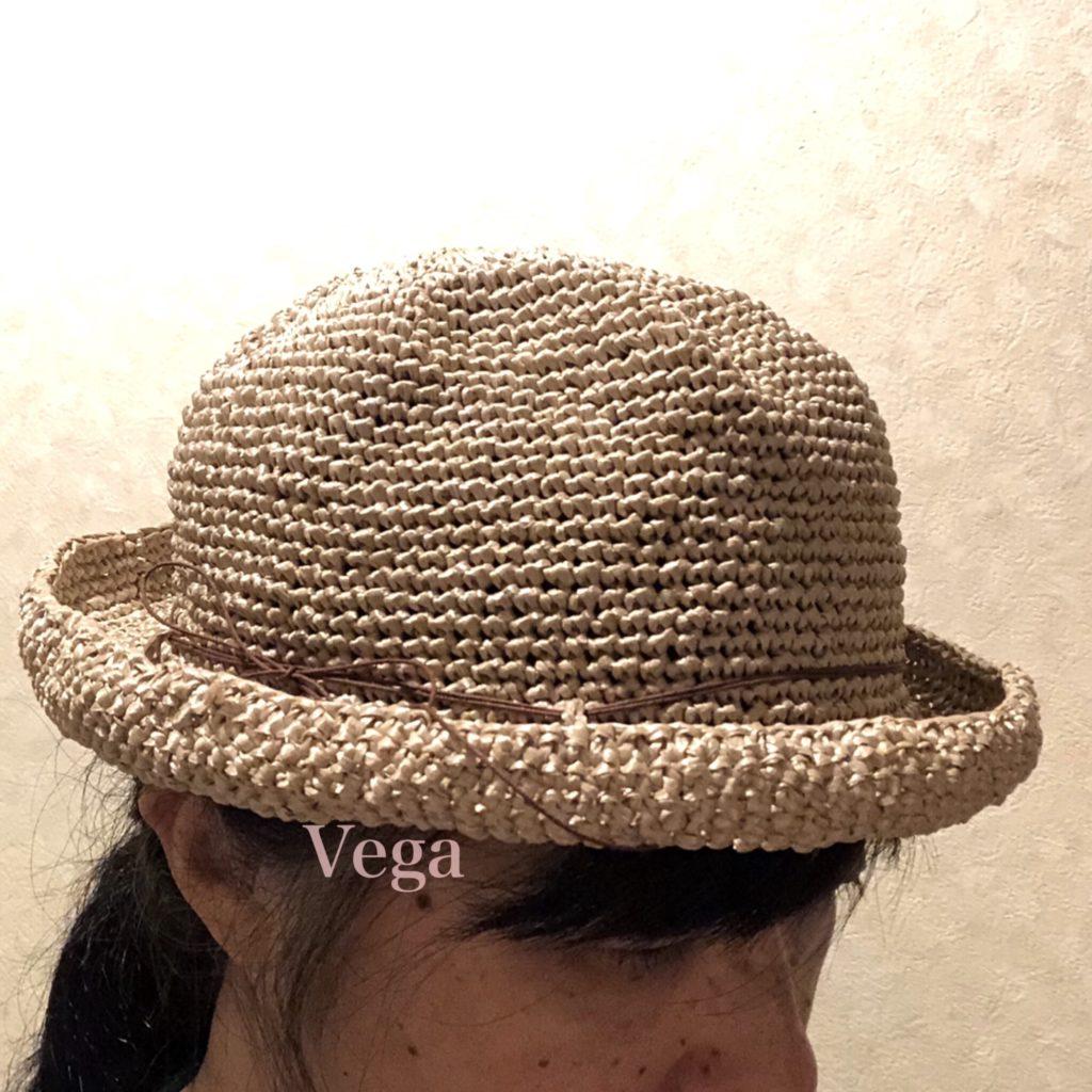 夏帽子を被ったところ