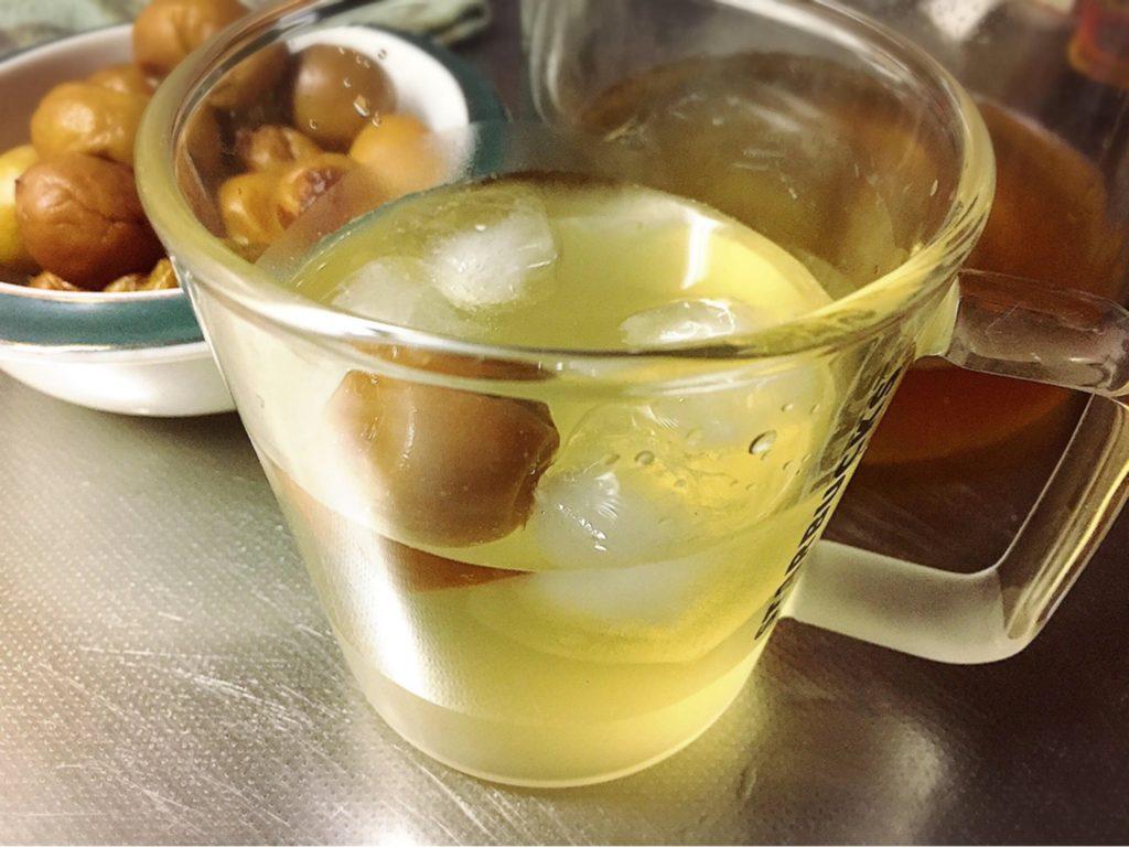 梅シロップのソーダ割り