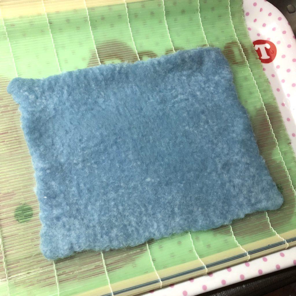 シート状になった羊毛