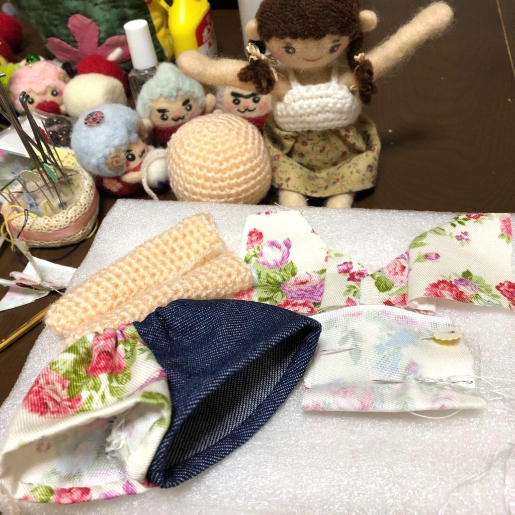 花盛りの、テーブルの上