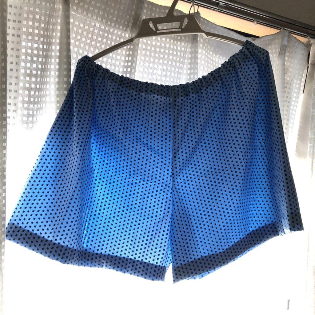 涼しげなブルー系の布の、ステテコパンツ