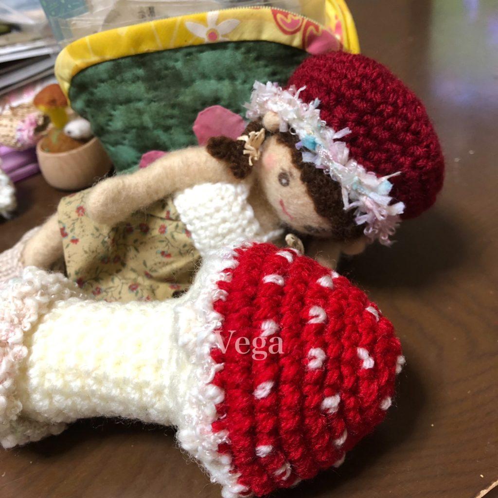 お人形さんきのこバージョンと、きのこラトル
