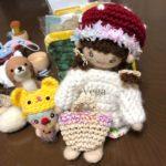 冬仕様の着せ替え人形さんに、きのこ帽子とセーターを。