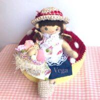 羊毛フェルトの可動式お人形さん